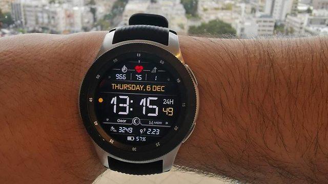 השעון החכם של סמסונג (צילום: דניס ויטצ'בסקי)