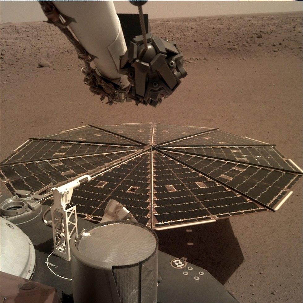 הנחתת Insight על מאדים (צילום: נאס