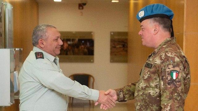 Встреча генералов Айзенкота и дель Коля. Фото: пресс-служба ЦАХАЛа