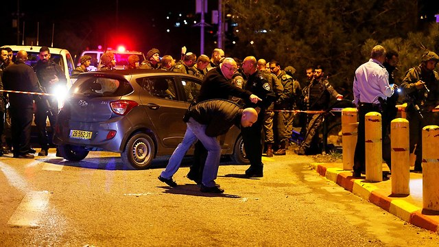 זירת פיגוע ירי בעפרה (צילום: רויטרס)