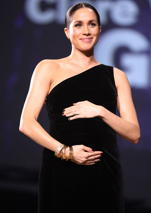 זוכה לחיבוק גדול מענף האופנה. מרקל (צילום: Tristan Fewings/BFC/Gettyimages)