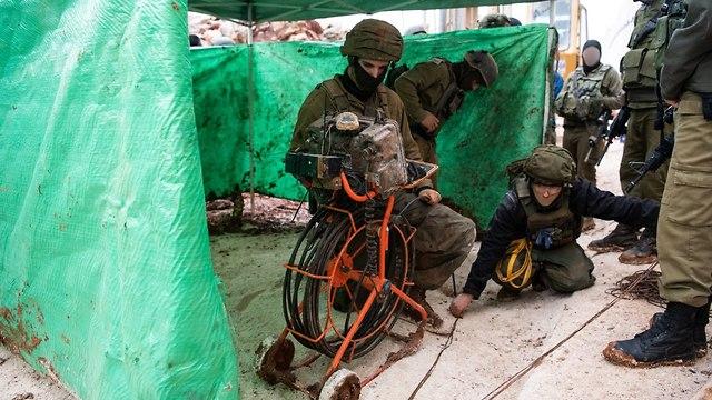 IDF exposes a Hezbollah tunnel dug from Lebanon (Photo: IDF Spokesman's Office)