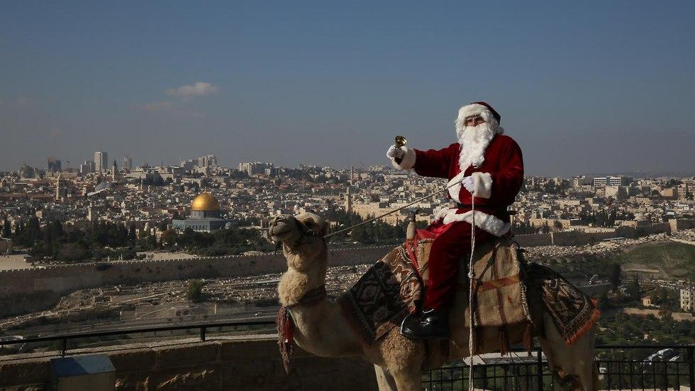 Santa Claus in Jerusalem (Photo: Gali Tibbon)