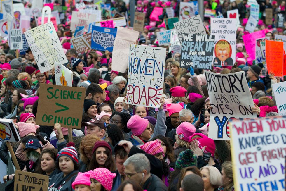 סמל: כובעים ורודים נגד טראמפ בארה''ב (צילום: AP)