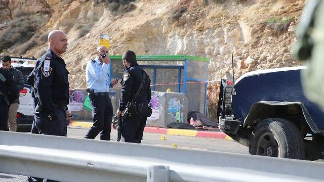זירת הפיגוע (צילום: עמית שאבי)