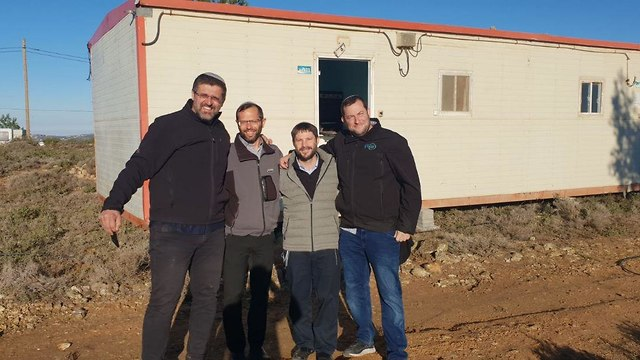 Settler leaders return to the eavcuated Amona outpost, December 2018 (Photo: Amona activists)
