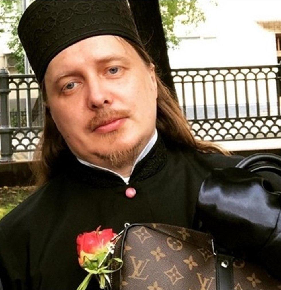 כומר גוצ'י אינסטגרם רוסיה ()