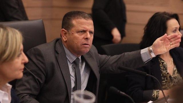 Председатель экономической комиссии кнессета Эйтан Кабель. Фото: Ицхак Харари, пресс-служба кнессета
