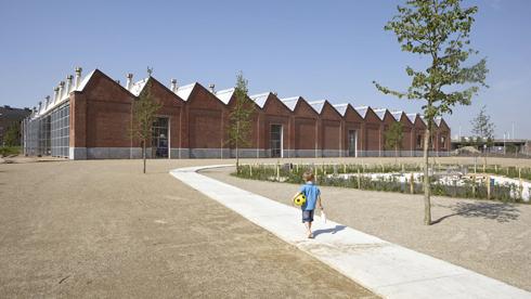 מבט מצד המבנה (צילום: באדיבות בארט ורהיין)