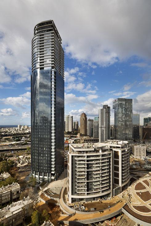 בניית המגדל נמשכה כחמש שנים   (צילום: אסף פינצוק)