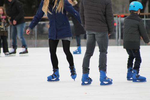 Бесплатно: где покататься на коньках, куда съездить на экскурсию