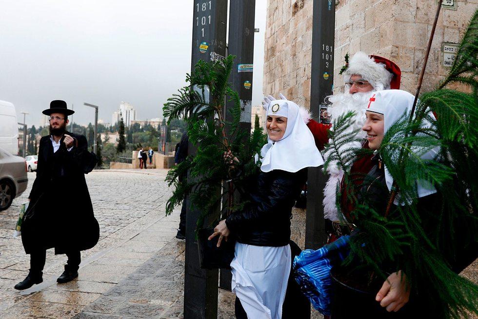 Рождественская сценка в Старом городе Иерусалима. Фото: AFP