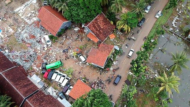 נזקי הצונאמי באינדונזיה (צילום: AFP)
