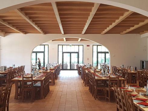 חדר האוכל מאכיל מדי יום כ-500 סועדים. ברונלו ופדריקה בוחרים בכל חודש את התפריט העונתי (צילום: ענת ציגלמן)