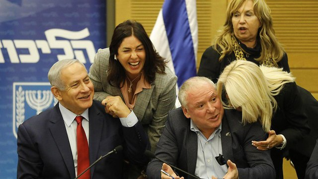 Netanyahu, Regev and Amsalem (Photo: EPA)