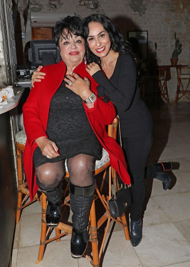 """איך אומרים """"אימא"""" בפרסית? ריטה ואמה שרונה (צילום: דנה קופל)"""
