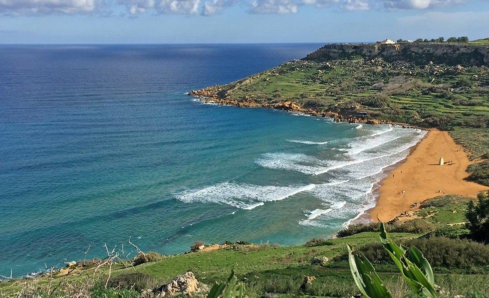 חוף ראמלה אל-חמרה באי גוזו (צילום: גלעד כרמלי)