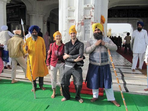 """עליזה בהודו. """"הבנים שלי אמרו שאם שרדתי את הודו, אני יכולה לשרוד הכל"""" (צילום: אלבום פרטי)"""
