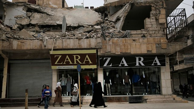 מאנביג' סוריה מנביג' עברה לשליטת סוריה מידי הכורדים (צילום: AP)