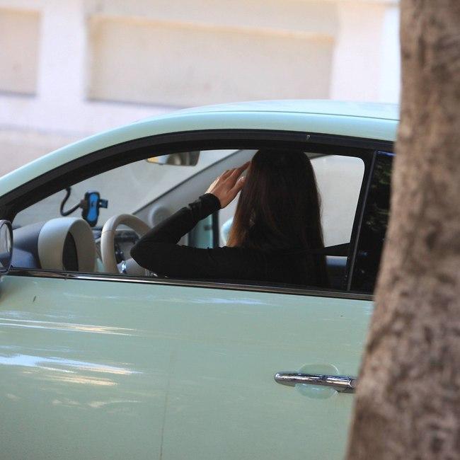 כשנוהגים כדאי להעיף מבט על הכביש, זה עוזר (צילום: מוטי לבטון)