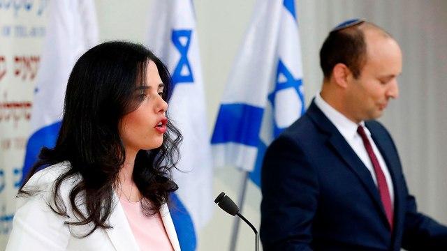 נפתלי בנט ואיילת שקד הצהרה משותפת (צילום: AFP)