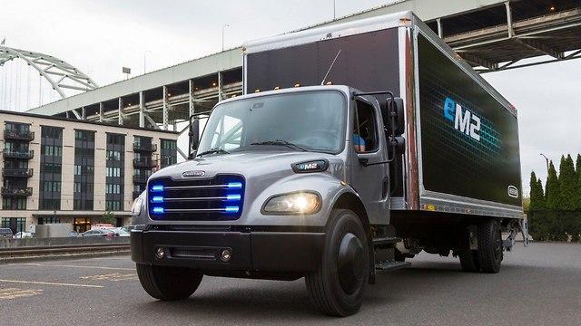 משאית חשמלית פרייטליינר ()