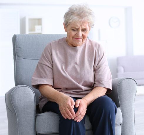 80 אחוז מהאנשים בדיור מוגן, בשנות ה־80-70 לחייהם, מדווחים על כאב כרוני מסוג זה או אחר (צילום: Shutterstock)