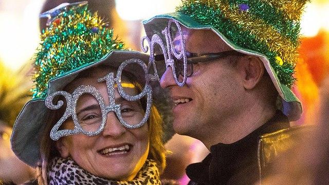 Celebrating the new year in Madrid (Photo: EPA) (Photo:EPA)