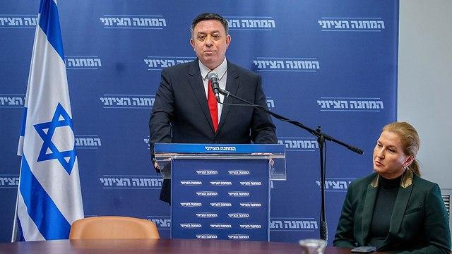 Avi Gabbay announces Labor's split from Zionist Union, January 2019 (Photo: Ohad Zwigenberg)