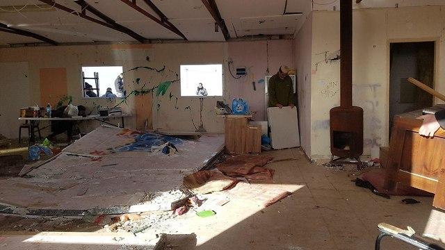 Evacuated Amona structure (Photo: Yishai Porat)