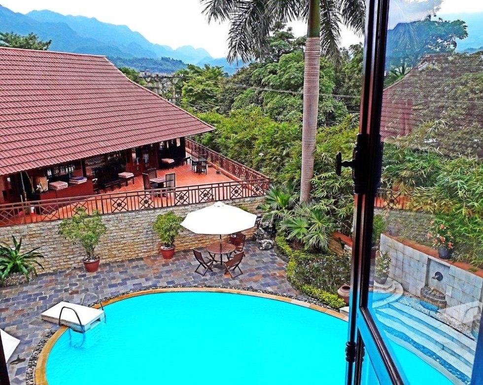 הנוף המדהים מחלון החדר במלון ב