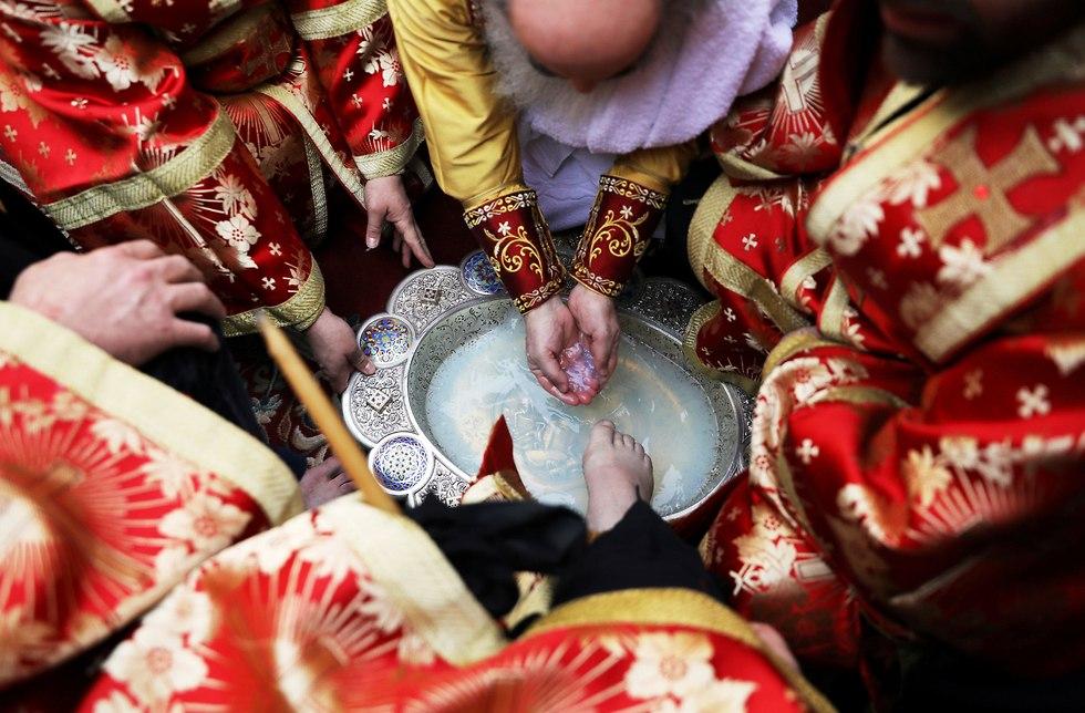 Washing the feet ceremony