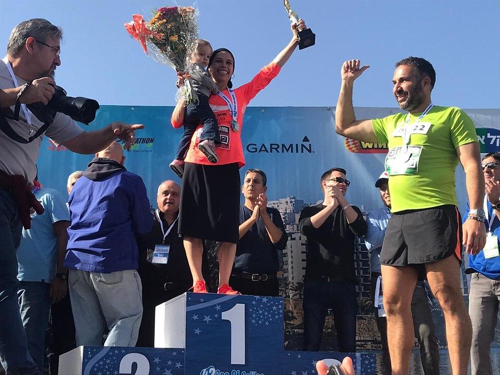 Победительница марафона. Фото: Анат Махани