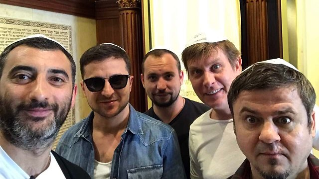 Zelenskiy and his friends visit a synagogue in Ukraine (Photo: Facebook)