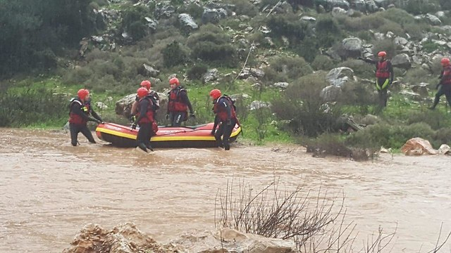 Search for Yosefi at Nahal Hilazon (Photo: Northern District Fire Department)