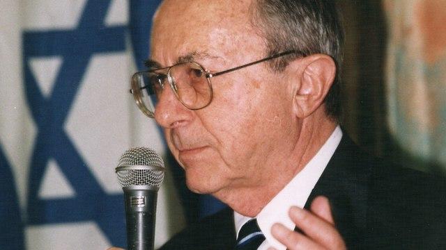 משה ארנס  (צילום: שאול גולן  )