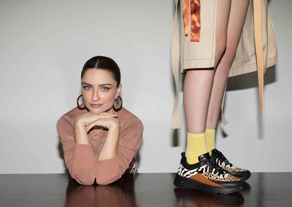דניאלה להבי. עד 50 אחוז הנחה על תיקים, 30 אחוז הנחה על זוג אחד של נעליים מהקולקציה במכירה, 40 אחוז הנחה על שני זוגות נעליים ו-50 אחוז הנחה על שלושה זוגות נעליים  (צילום: דודי חסון)