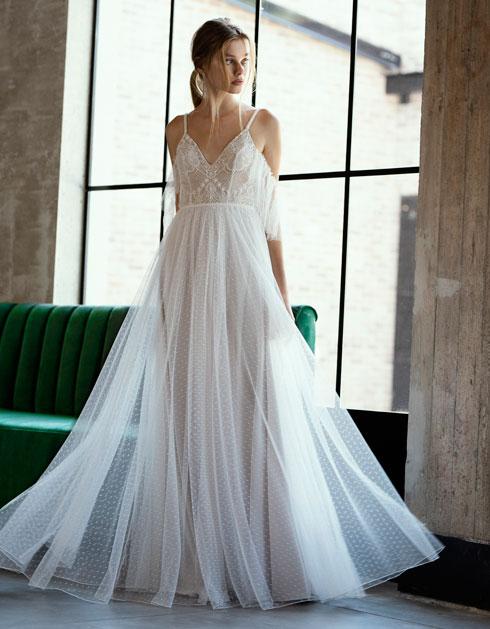 יריד כלות חכמות. שמלות כלה לרכישה בהנחה של 50-30 אחוז ממחיר ההשכרה בסטודיו  (צילום: חיים כהן)