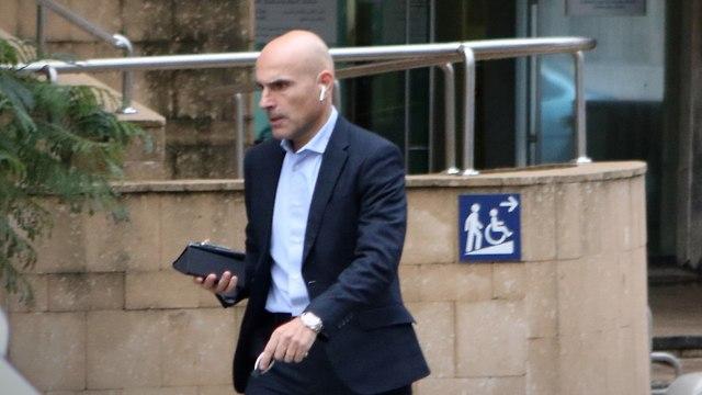 פאפרצי של אפי נוה יוצא מלשכת עורכי הדין בתל אביב ב-09.01.19 (צילום: אבי מועלם)