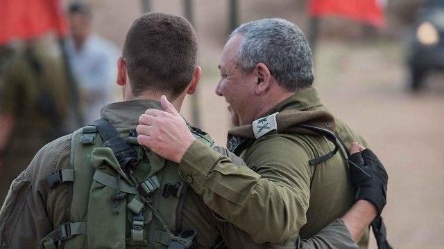 IDF Chief of Staff Lt. Gen. Gadi Eisenkot with his son during a training exercise of the Commando Brigade (Photo: IDF Spokesman's Unit)