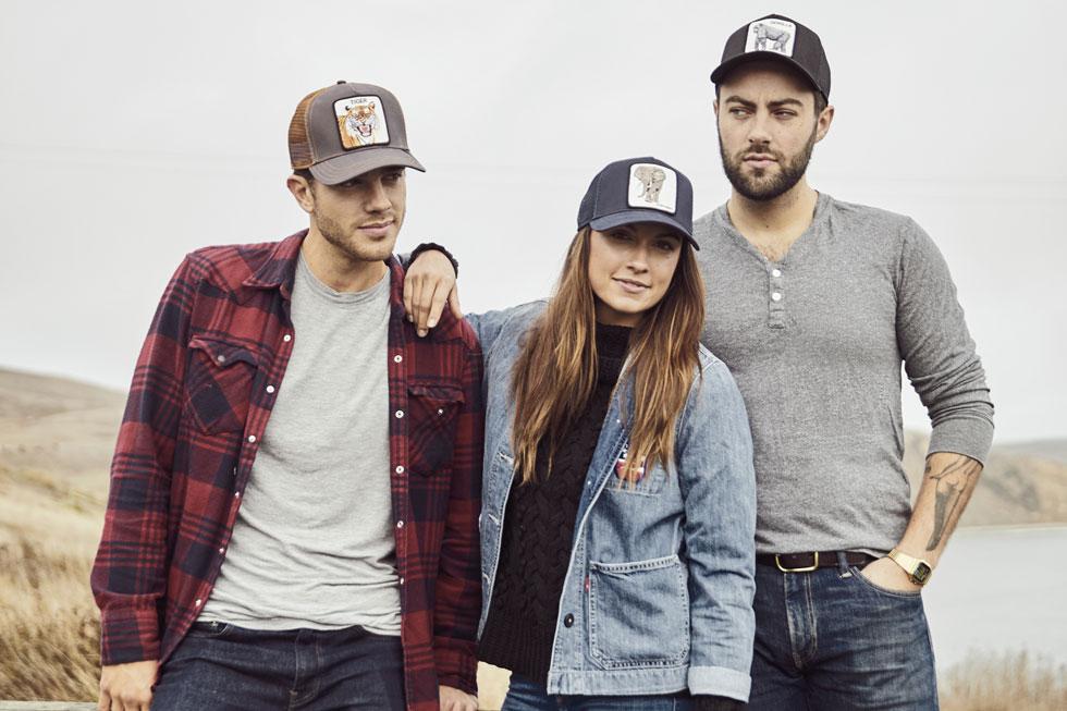 """""""בארכיון שלנו יש כובעים שנוצרו בסוף המאה ה-19 לצד כובעים משנות ה-40 וה-70. אנחנו מערבבים את כל ההשפעות וההשראות לאורך השנים ויוצרים משהו חדש"""". הכובעים של גורין ברשת סטורי"""