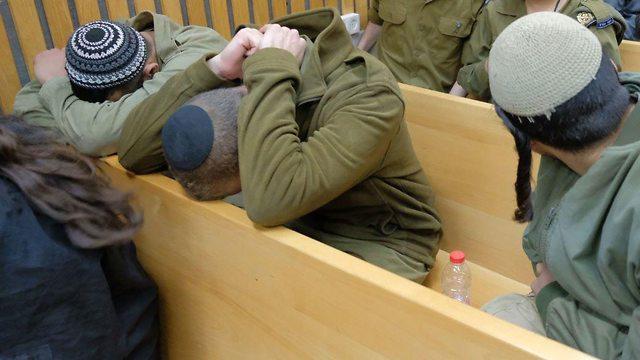 אחד החיילים החשודים בהכאת פלסטינים בבית הדין הצבאי ביפו  (צילום: שאול גולן)