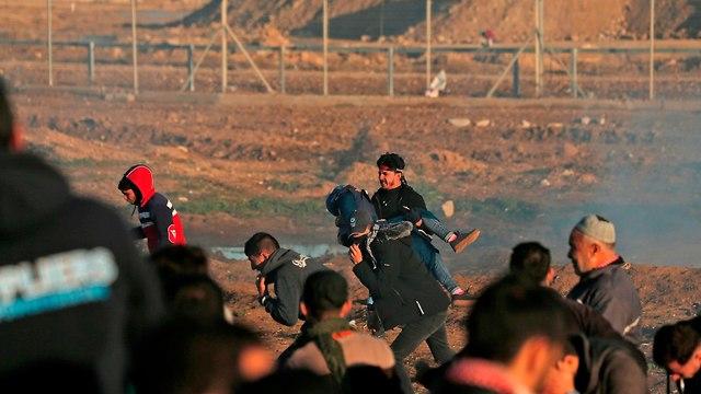 מהומות יום בגבול עזה (צילום: AFP)