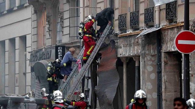 פיצוץ רובע 9 ב פריז צרפת (צילום: רויטרס)