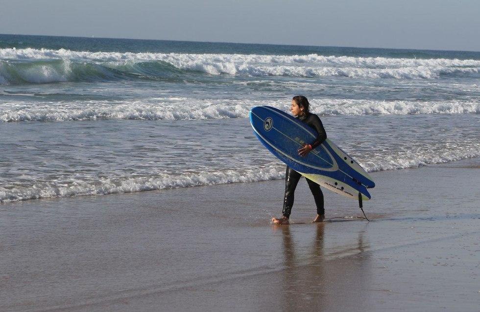 החוף בבת ים (צילום: אבי מועלם)