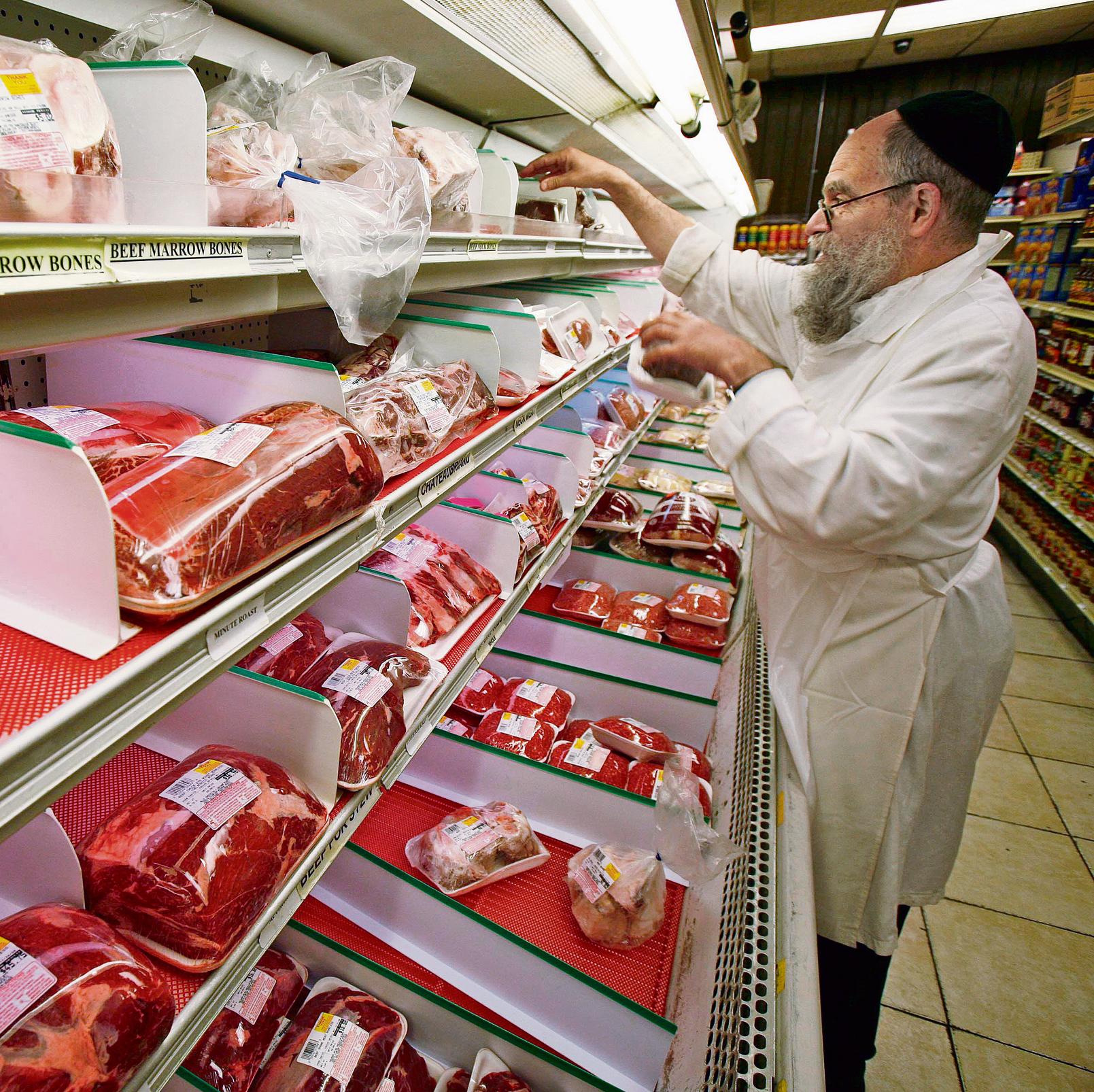 Kosher meat in Europe (Photo: AP)