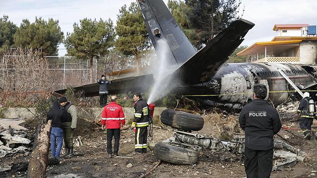 איראן: 15 הרוגים וניצול בהתרסקות מטוס צבאי 90026860991599640360no