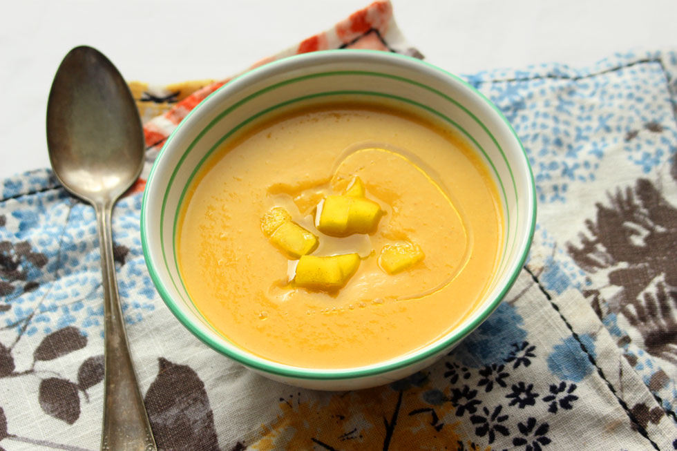 מרק כרובית ותפוחי אדמה עם טוויסט כפול (צילום: מיכל שמיר)