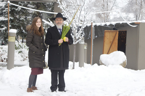 בעלה של אסתי והבת רבקי (צילום: Lisa Seifert)