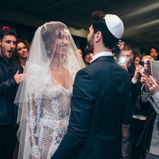 האושר בעיניים. רות אסרסאי וצחי מימון (צילום: שיצו צלמים)